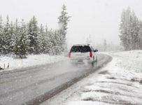 samochód przed zimą