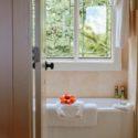 Podgrzewacz wody pozwala cieszyć się gorącą kąpielą